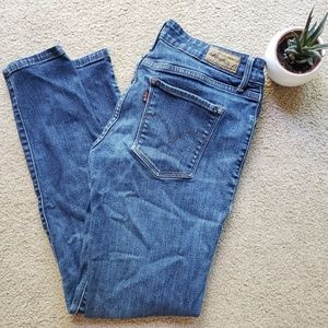 😍 Levi's demi curve skinny jeans medium wash